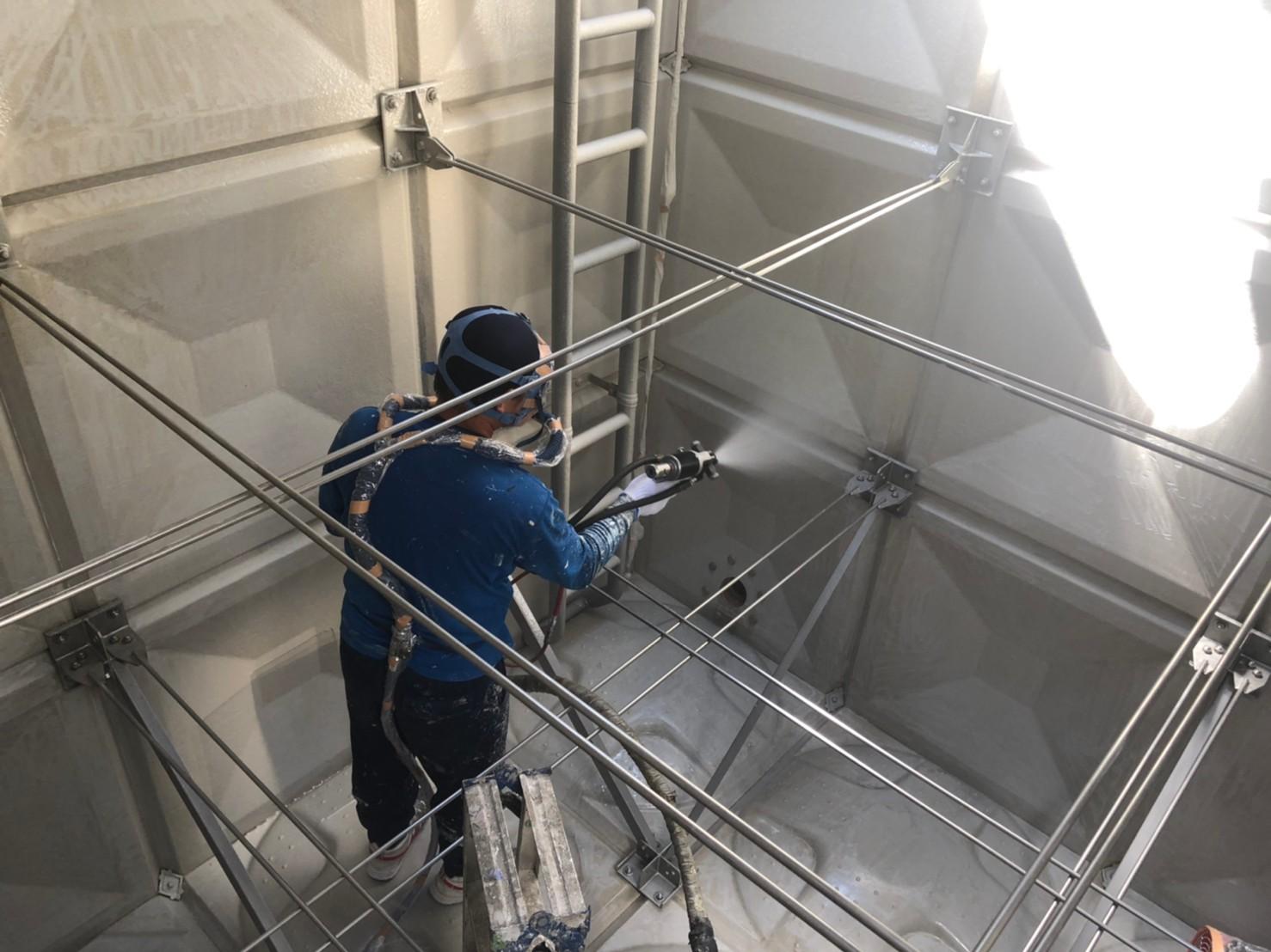 浄水タンク内部ポリウレアRHライニング工法