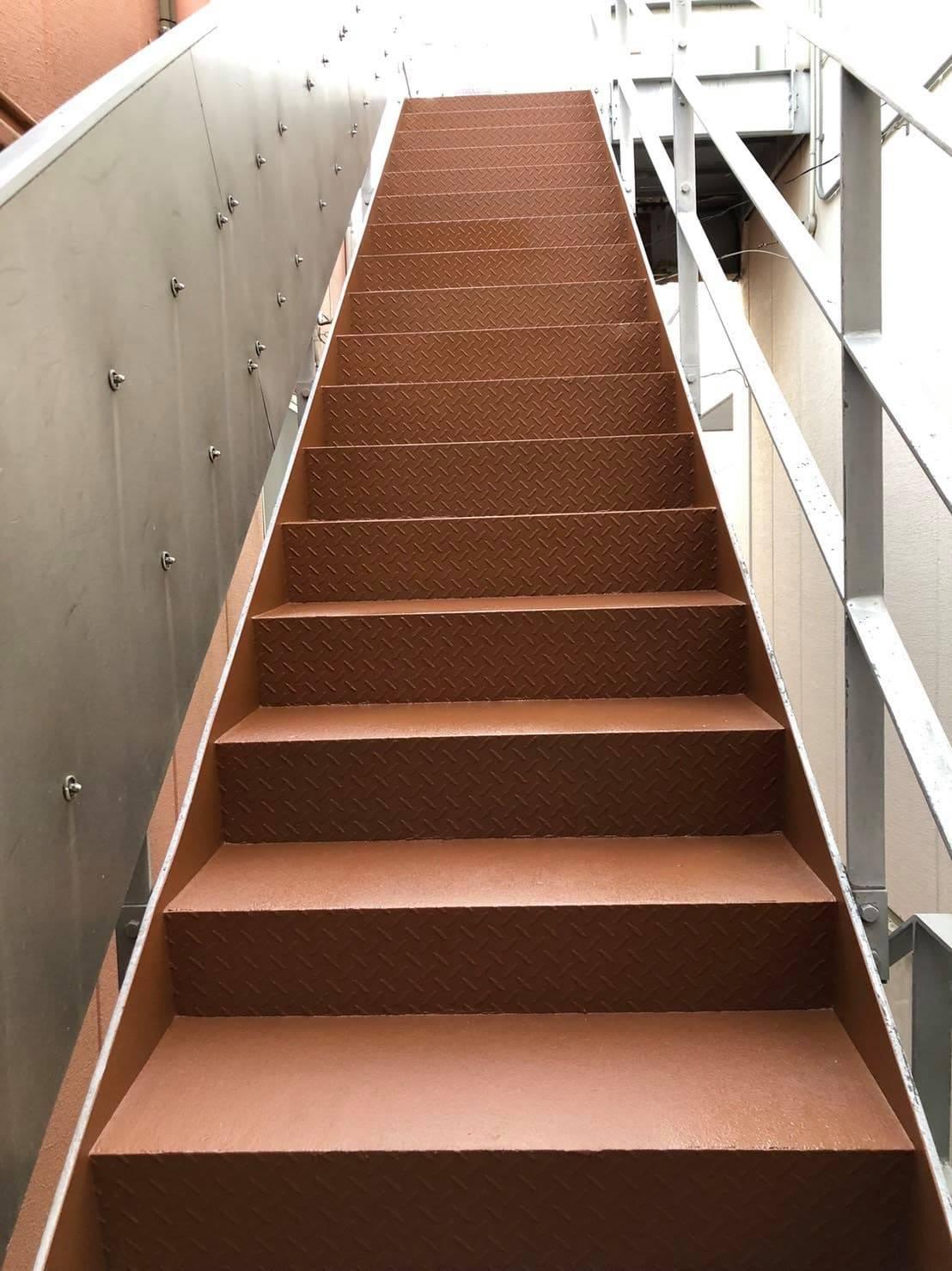 川崎市店舗階段ポリウレアRHライニング工法
